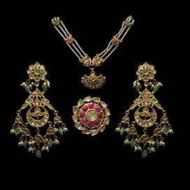 Antique set (Late 18th century, India)