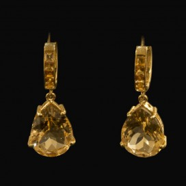 Ear hangers set with citrine (14KT yellow gold)