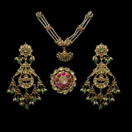 Antique set (Late 18th century, India)