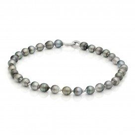 Bracelate Gray Black Tahiti South Sea Pearls set with an silver lock