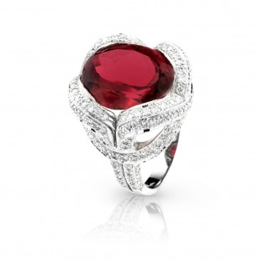 Ring 18kt White gold set with a pink tourmaline and brilliants