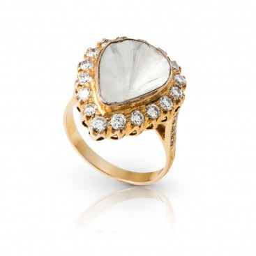 Ring 18kt Yellow gold set with an old cut diamond and brilliants