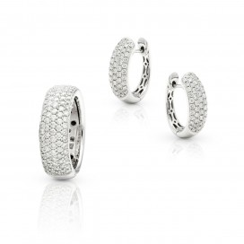 Ring and ear rings 18kt white gold set with brilliants