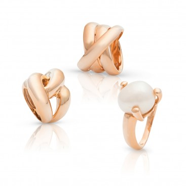 3 Rings 18kt Rose gold, one is set with a pearl
