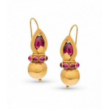 Ear hangers 22kt Yellow gold set with cabochon rubies