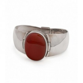 Silver bracelet set with cornelia