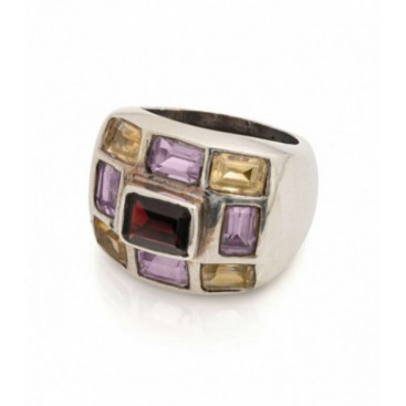 Silver ring set with garnet, amethysts and citrine