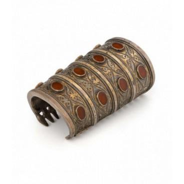 Antique silver gilded Turkman bracelet set with cornelias