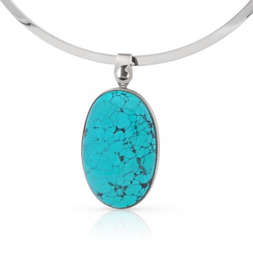 Silver pendant set with turquoise