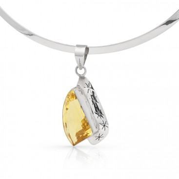 Silver pendant set with citrine