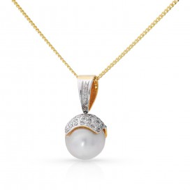 Pendant 18kt Yellow gold set with brilliants and a South Sea pearl