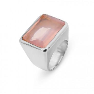 Silver ring set with rose quartz