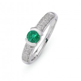 Ring 18kt White gold set with brilliants and emeralds